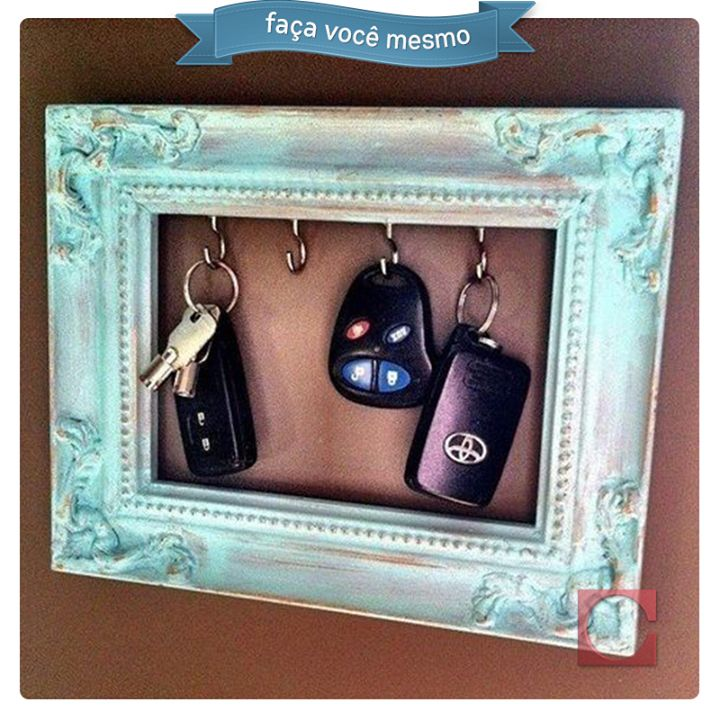 Claviculário de moldura!  Faça você mesmo dedicado aos pais que vivem perdendo as chaves do carro. #DicaCassol