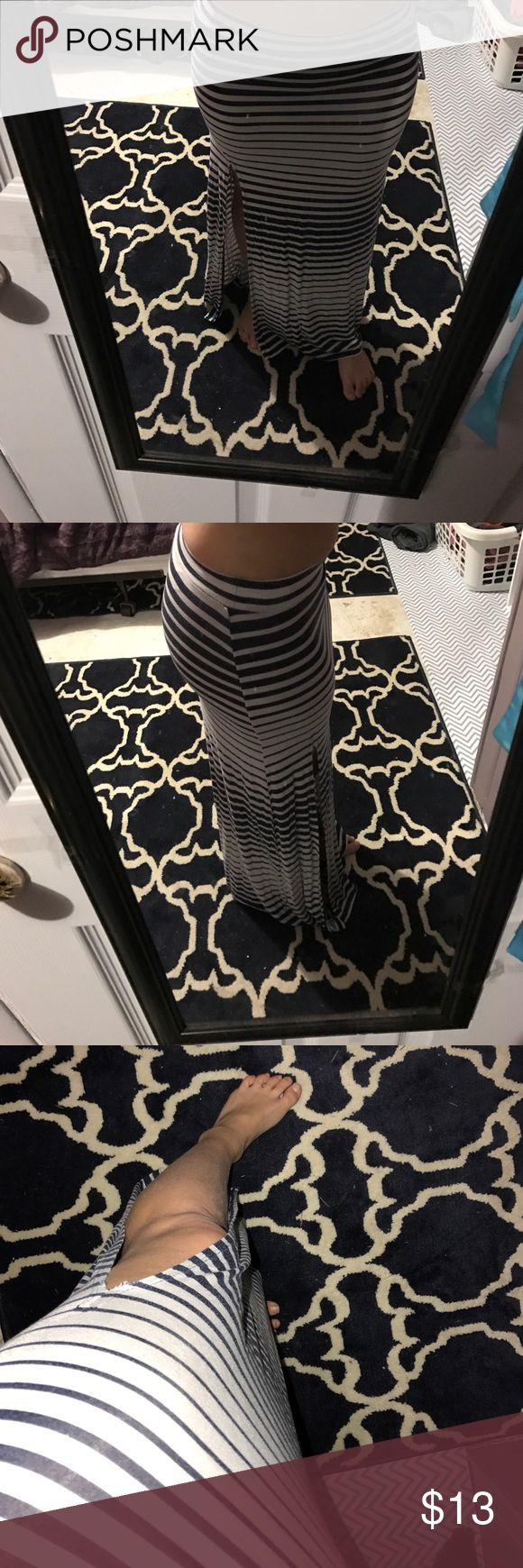 Cute maxi skirt Beautiful very soft, open silt on left side Charlotte Russe Skirts Maxi