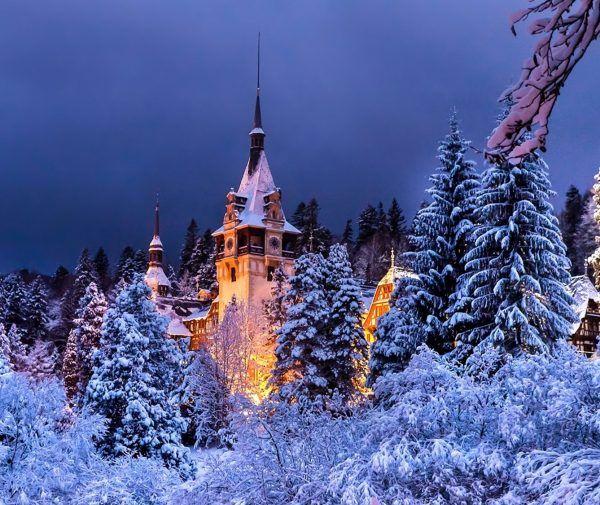 Замок Пелеш вночі Сіная