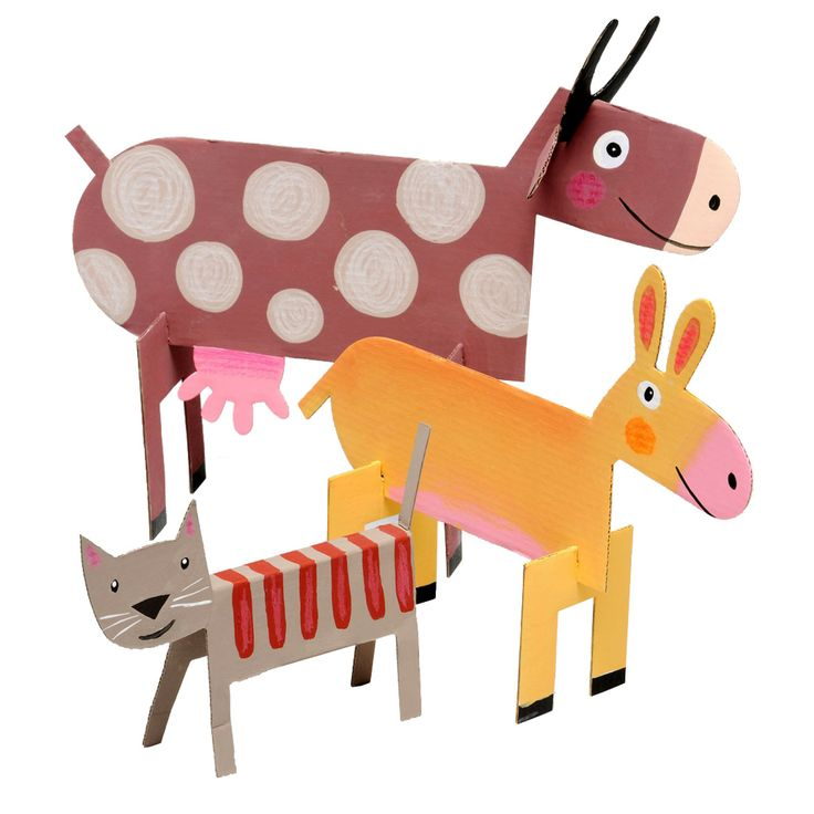 Animaux de la Ferme - or Farm Animals Craft Set - is a set of friendly animal models made from recycled cardboard.  They are pre-cut and folded and easily made up by sliding tabs into slots with no need for scissors or glue - ready to be decorated!  An ideal gift or perfect party activity for ages 4-6.