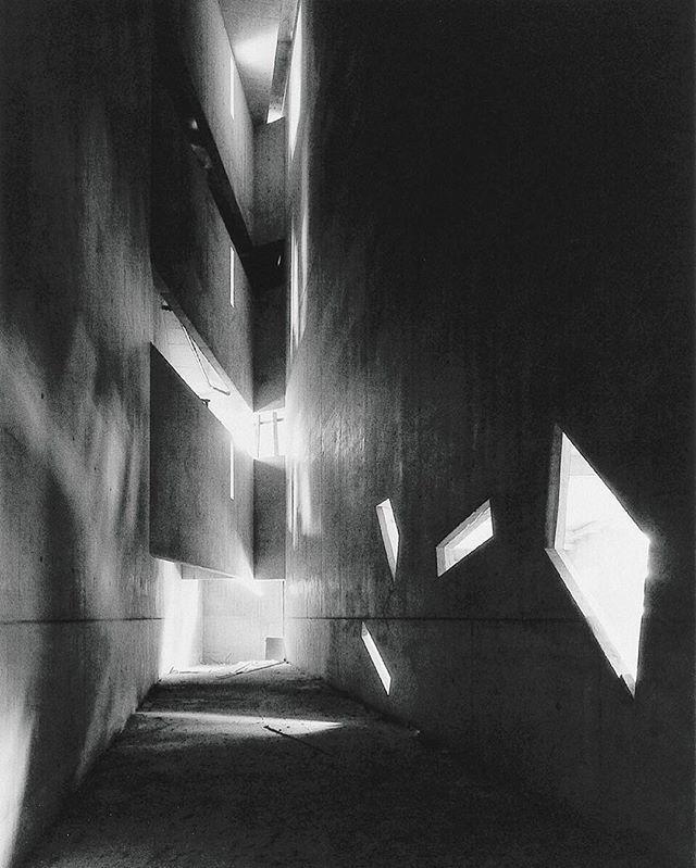 Ryuji Miyamoto's haunting shot of the #JewishMuseum, #Berlin, built to designs by #DanielLibeskind, 1995. © Ryuji Miyamoto / Courtesy Galerie Kicken, Berlin. Link in bio.