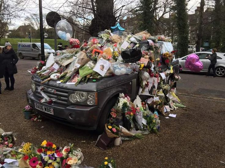 George Michael's house Highgate London January 2017 George Michael's Range Rover