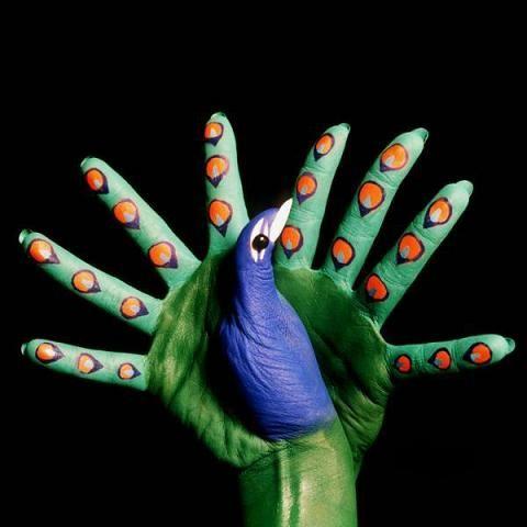 /manos pintadas