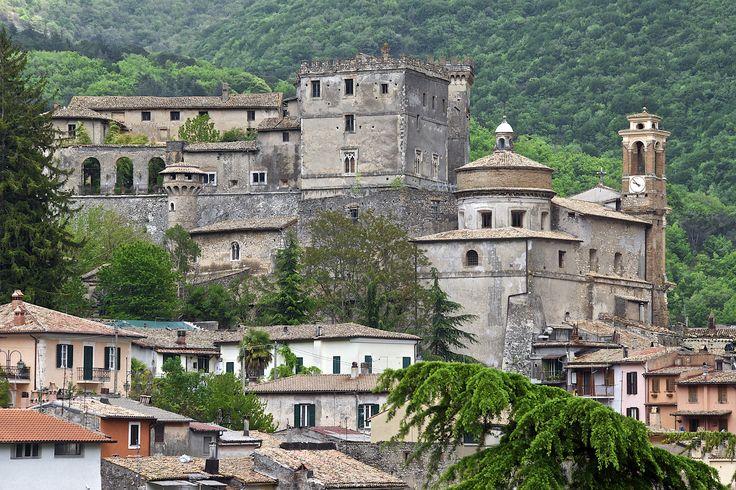 https://flic.kr/p/bEU6wY | [AA0253]* 2012/05/06_002 | ARSOLI (Rm): Castello Massimo (IX sec.)