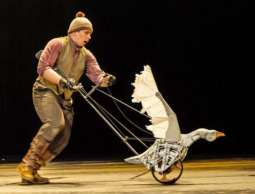 """""""War Horse"""" Theatre Review – A Play Of Epic Proportions 