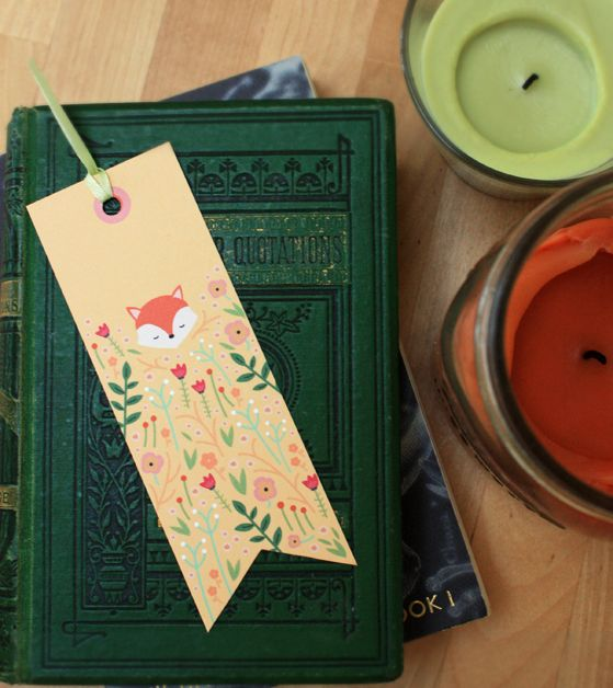 Free printable woodland creature bookmarks from Meteor Mermaid to go with any book gift