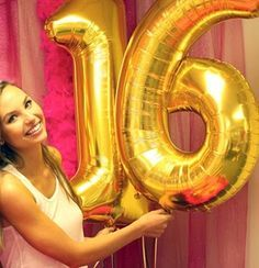 Birthday 16 gold balloons for a sweet 16 party