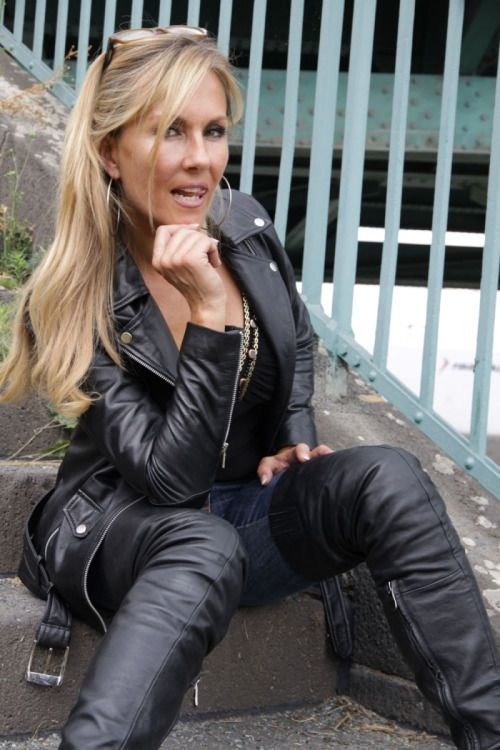 Ladies erotic leather gloves porn images