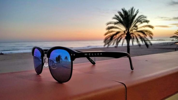 Are you looking for a cool brand to decorate your eyes or wrist? Meller Brand is a kickasssunglass and watch brand that will certainly make you stand out.  http://www.meanwhiler.me/2016/10/17/meller-brand-kickass-sunglasses-watches/