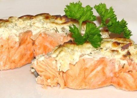 Горбуша, запеченная в фольге https://www.go-cook.ru/gorbusha-zapechennaya-v-folge/  Относительно простое и очень вкусное рыбное блюдо. О полезных свойствах рыбьего мяса можно говорить много и долго, но незачем — его нужно просто есть. И ещё, такое блюдо совсем не стыдно поставить на праздничный стол. Рецепт горбуши, запеченной в фольге Время подготовки: 15 минут Время приготовления: 40 минут Общее время: 55 минут Кухня: Русская Тип: … Читать далее Горбуша, запеченная в фольге