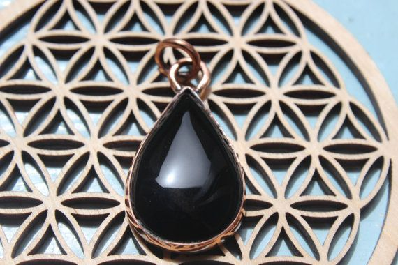 Black roses : Black Onyx Pendant on recycled copper - Ancient style - Discount 25%  code HAPPY
