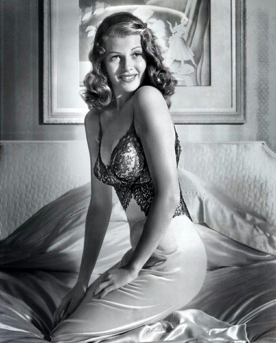Rita Hayworth pinup, Bob Landry photoshoot for LIFE Magazine