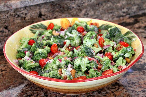 Broccoli Salad: Recipes Girls, Broccoli Salads, Salad Food, Recipes Pin, Aunt, Broccoli Salad Recipes, Broccoli Salad Mad, Broccoli Salad Leaves, Girls Site