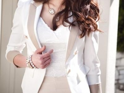 7 Work Appropriate Hairstyles for Curly HairLight Pink Blazers, White Blazers, Curly Style, Outfit, Latest Fashion, Jackets, Nature Curly Hair, Work Hairstyles, Fall Fashion Trends