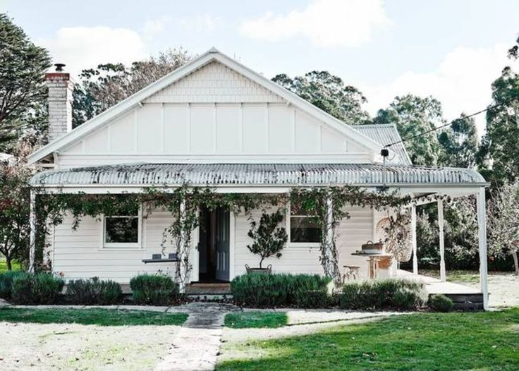 THE ESTATE - TRENTHAM, Trentham: Holiday house for rent. Read 1 reviews, view 18 photos, book online with traveller protection with the owner - 4326496