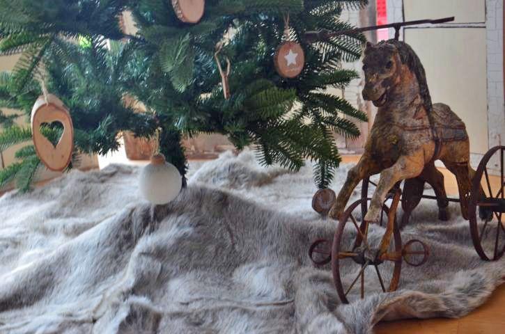 Weihnachtsbaumdecke Fell Weihnachten Felldecke von Majalino auf DaWanda.com