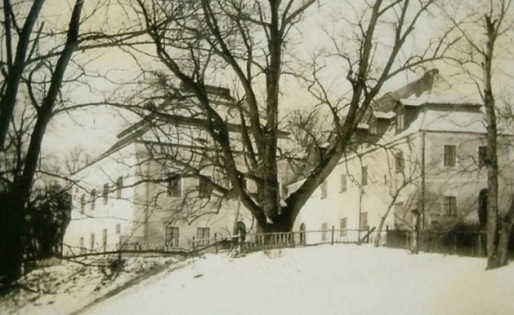Posiadłość Manor House w przeszłości
