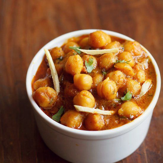 Chole Masala Recipe - A quick recipe of chole sauteed in onion - tomato paste, flavored with Indian seasoning and spices.