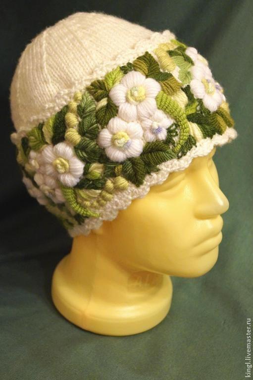 Купить Женская шапочка с ручной вышивкой Весна для Марии - зеленый цвет, белый цвет, цветочный