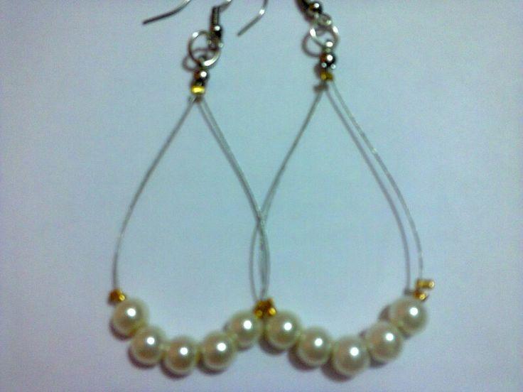 Aretes de perlas tipo arracada,$35 pesos,ordena al tel. 53100141 por mayoreo si gustas.
