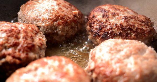 肉汁がじゅわ〜っとにじみ出てくる絶品ハンバーグ。自宅で上手に作れるコツをまとめました。