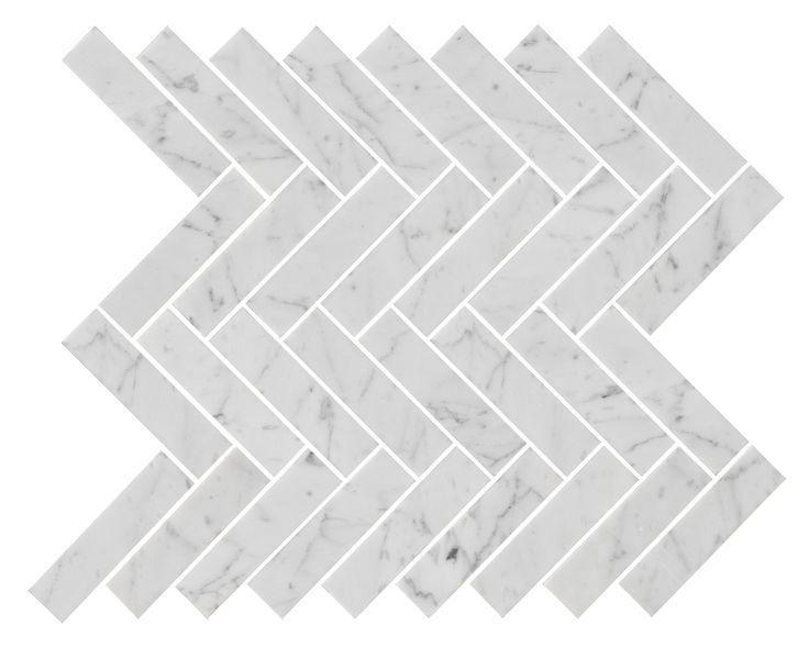 34108 U Fishbone Carrara Polished. Carrara mosaic i klassiskt fiskbensmönster. #Carrara #Fishbone #Herringbone