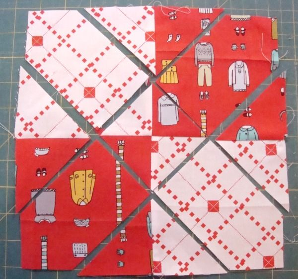 4 Patch Disappearing Quilt Block – Criss Cross