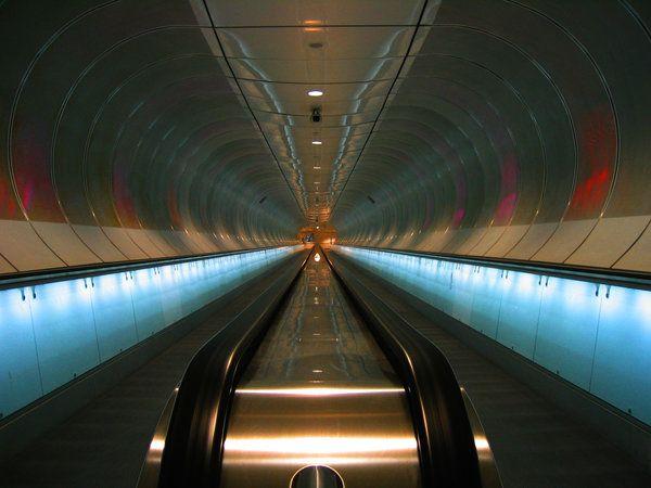 Entering Rotterdam subway at Maastunnel