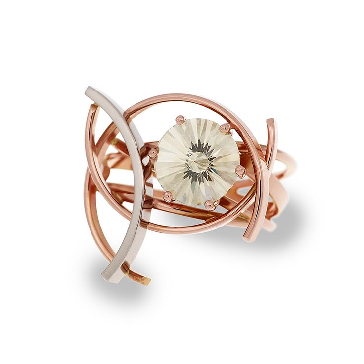 """Red and white gold ring. The world's largest """"ice-flower cut"""" diamond (2.42 ct). Contemporary dutch design. Handmade by Sabine Eekels"""
