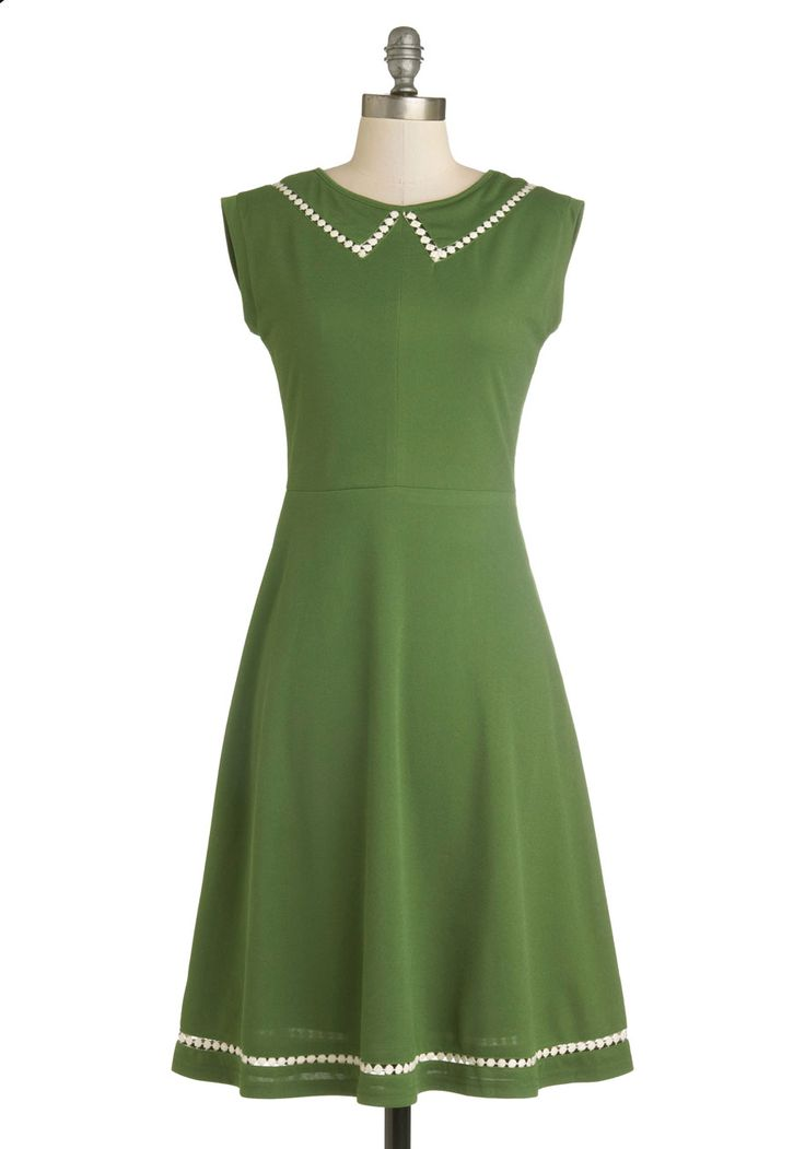{Author Outings Dress in Green} *Oh I love the green!