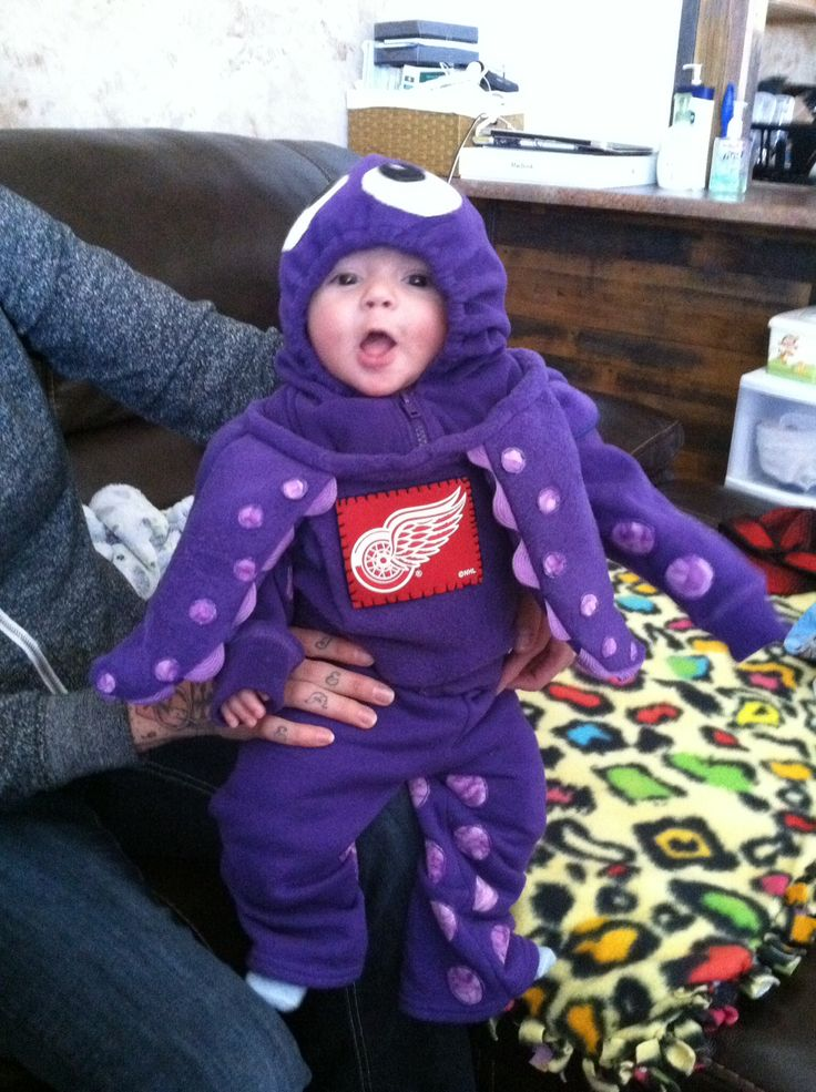 Detroit Red Wings hockey Octopus Halloween costume -- there's nothing like a well-dressed kid!  Just don't throw him out onto the ice!