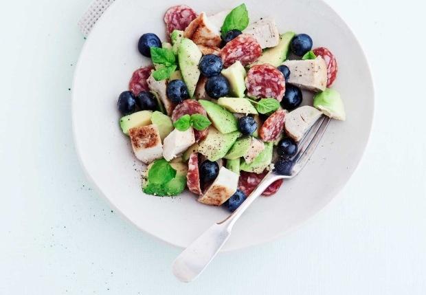 Oppskrift på 6 sunne salater - Stella Magasinet