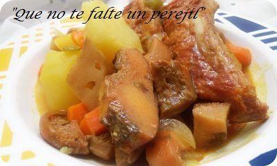 Guiso de Patatas, Níscalos y Costillas de Cerdo