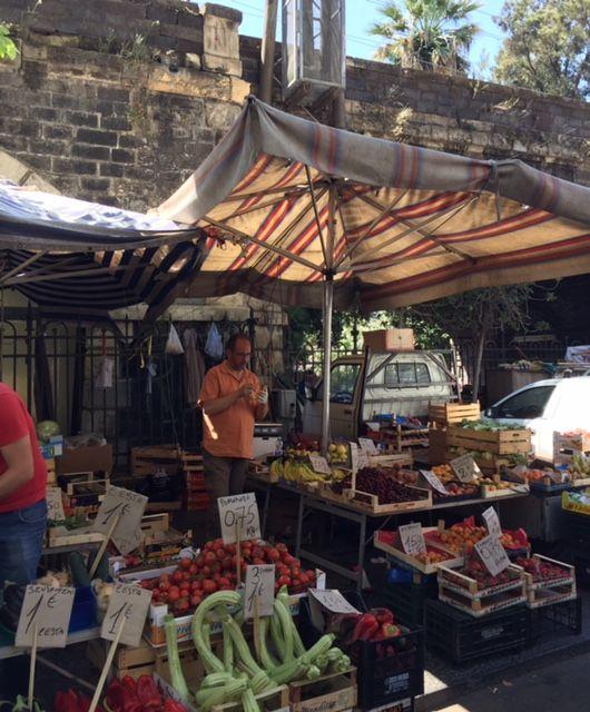 joanheaton519blog: Catania's Colourful Market