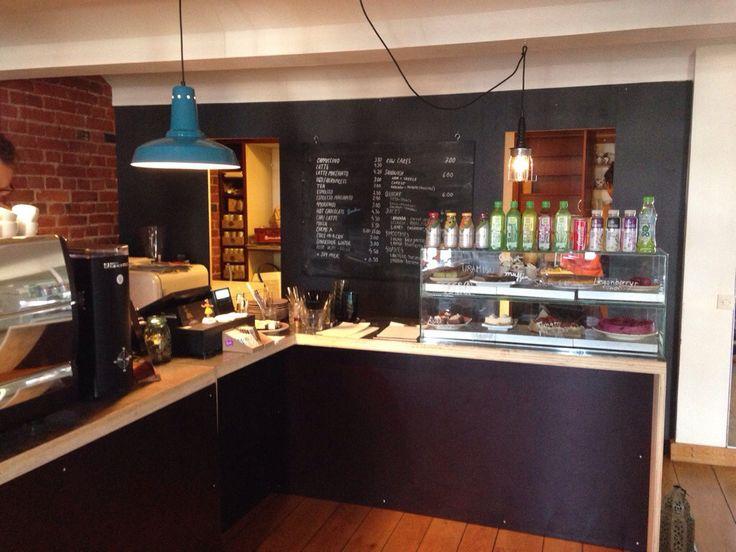 Café Kokko, Helsinki. Raakaruokaa, teehuone, kahvitaivas. Yksi suosikkejani Helsingissä!