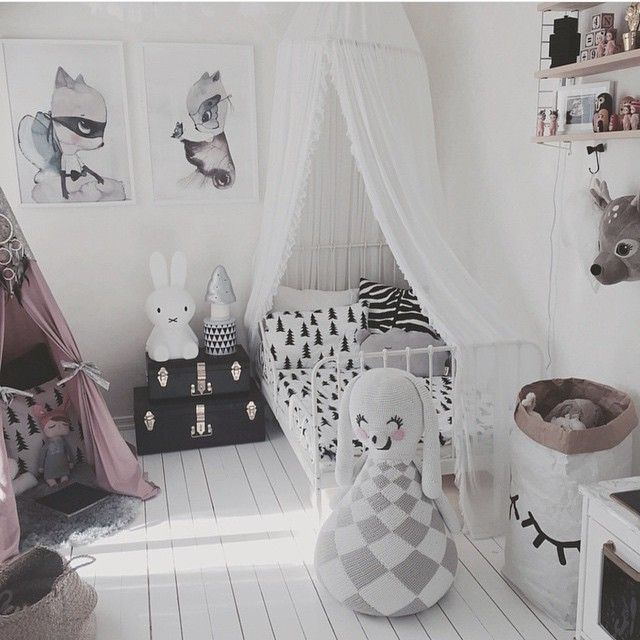 so ein cooles Kinderzimmer, Lampe und Elephant gibt es bei dotkind.at! Instagram photo by @leoandbella via ink361.com