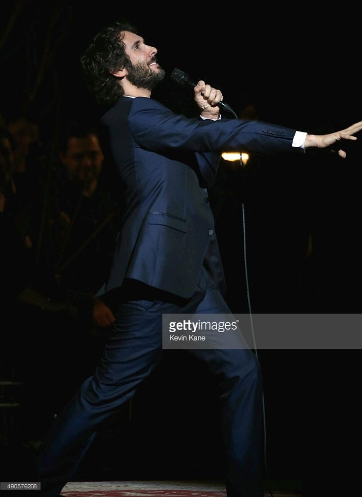 NEW YORK, NY - SEPTEMBER 29: Josh Groban performs at the Beacon Theatre on September 29, 2015 in New York City.  (Photo by Kevin Kane/Getty Images)