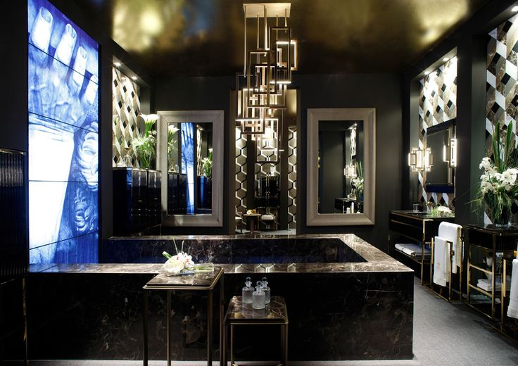 The bath: a a sensory experience, Milan, April 2015. Exhibit and products designed by Massimiliano Raggi. Academy collection by Oasis Group.