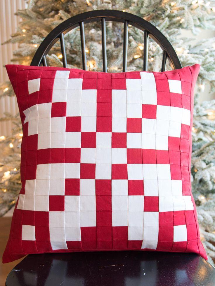 Norwegian inspired patchwork pillow free tutorial on WeAllSew.com & 60 best Pillow Patterns images on Pinterest | Pillow patterns ... pillowsntoast.com
