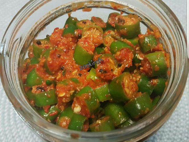 Green chilli achaar