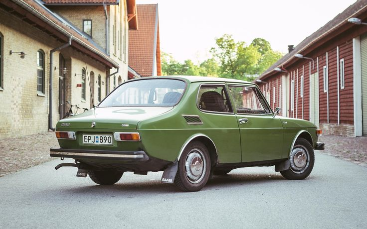 SAAB 99 -- love the colour -- same as the Lancia Fulvia > q.v. ...