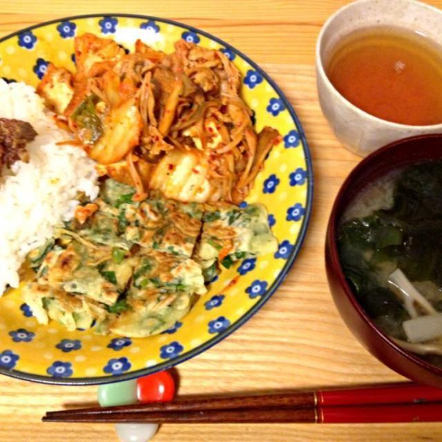 豚キムチ、チヂミ、牛しぐれのっけご飯、大根と舞茸のおみそ汁 - 12件のもぐもぐ - 夜の韓流定食o(^_^)o by dorara