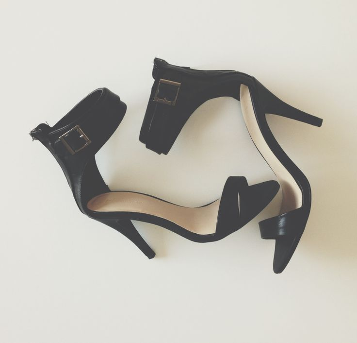 Essentials: Black Ankle Strap Heels // Jacqui Barhouch