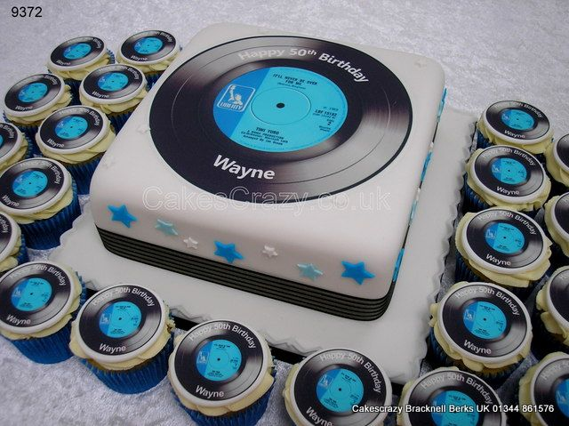 Single record cake http://www.cakescrazy.co.uk/details/vinyl-45-record-cake-and-cupcakes-9372.html