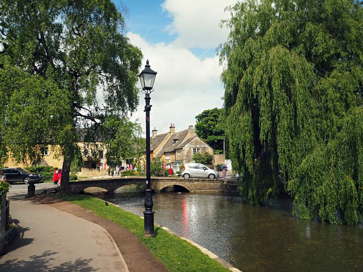 A Coffee Break In Bourton-On-The-Water, The Cotswolds // The Gem Agenda Blog
