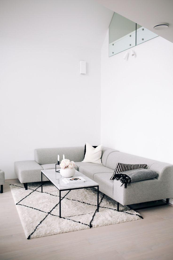 Sofa: Bolia Table: Bolia Vase: Bohus Rug: Bohus Innredningen hjemme går sakte…