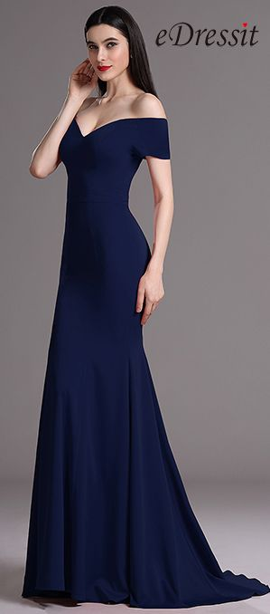 Splendid and simple, this elegant gown features sexy off-shoulder bodice and mermaid skirt with small train which emerge so much feminine look.