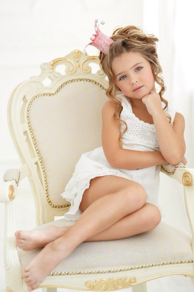 Gorgeous Pose For Your Beautiful Chair Michelle  Kids -2575