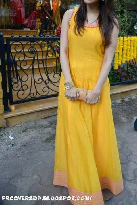 Stylish Dp For Girls, Girl In Yellow Dress Superb Cool Fb dp, new girls facebook dp 2014, cool fb dp for girls, cute girl dp for facebook, hidden face girl dp for facebook