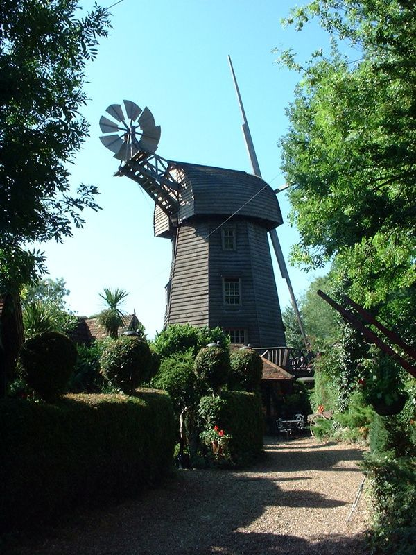 Man builds Windmill in Wraysbury. Rents it out, great place to stay. http://www.thegeorgewraysbury.co.uk/